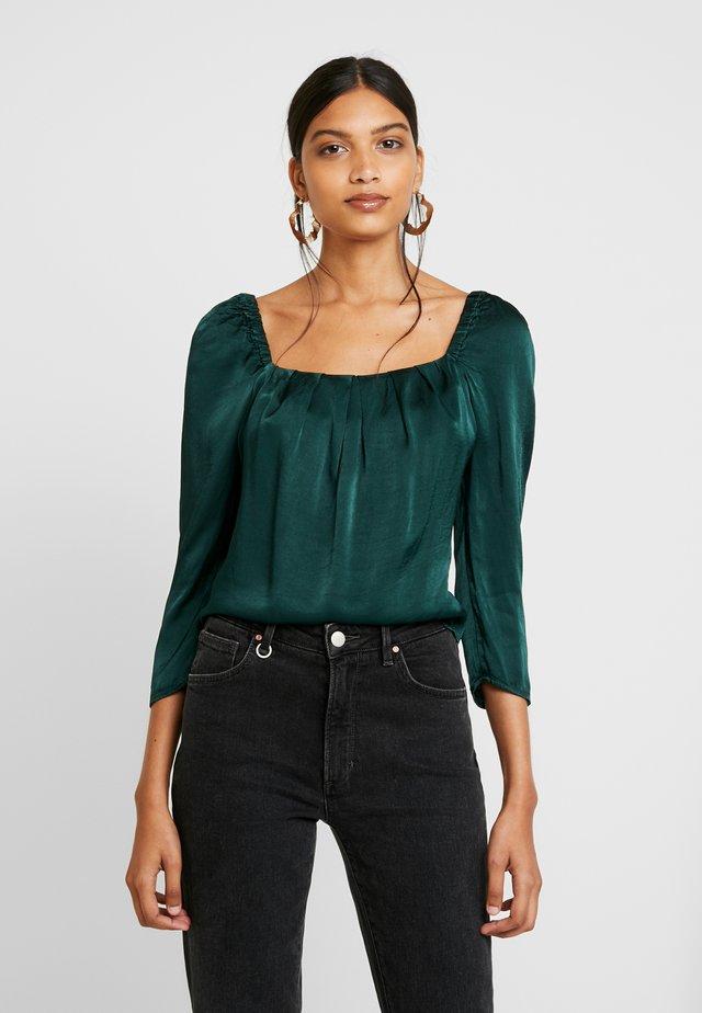 HOLLY - Bluser - green