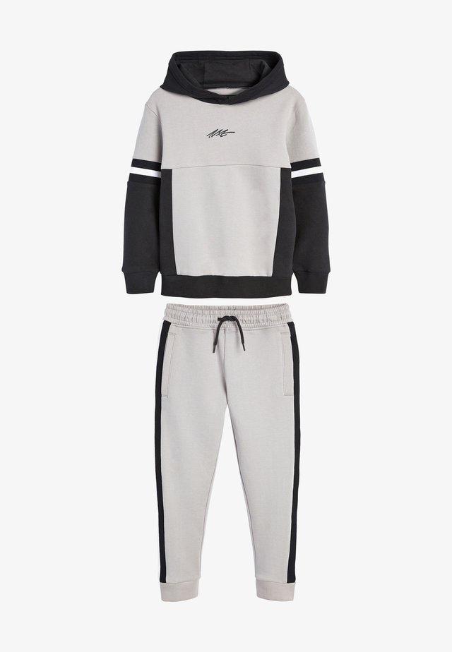 SET - Trainingspak - grey