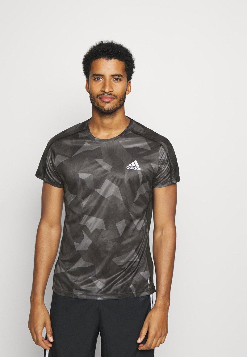 adidas Performance - RESPONSE PRIMEGREEN RUNNING SHORT SLEEVE TEE - Print T-shirt - grefou/grefiv/gresix