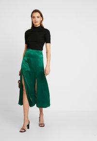 Topshop - PLAIN AUSTIN - Áčková sukně - green - 1