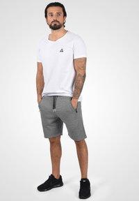 Solid - RAFIK - Shorts - dark grey melange - 1