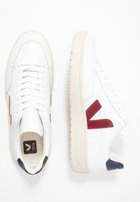 Veja - V-12 - Zapatillas - extra white/marsala/nautico - 1