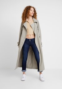 Pepe Jeans - VENUS - Straight leg jeans - dark-blue denim - 1