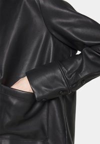 Carin Wester - INDOOR STANTON  - Faux leather jacket - black - 5