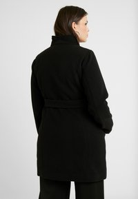 Vero Moda Curve - VMCALAMARIA JACKET - Korte frakker - black - 2