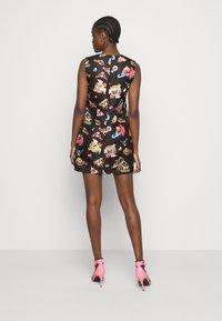 Versace Jeans Couture - LADY DRESS - Sukienka letnia - black - 2