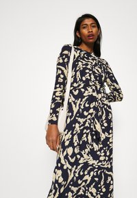 Vero Moda - VMNAVA DRESS - Day dress - navy blazer/hailey - 3