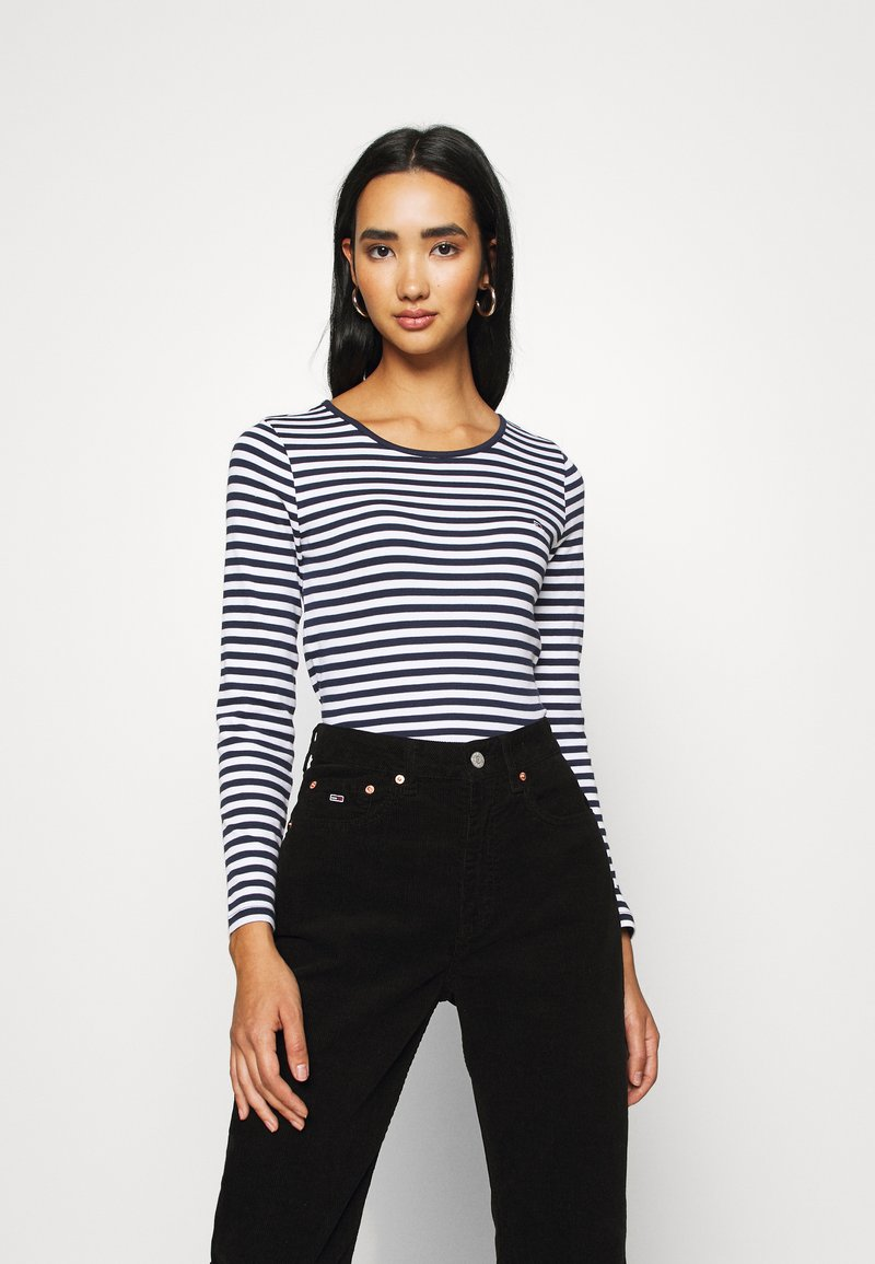 Tommy Jeans - STRIPED CROP LONGSLEEVE - T-shirt à manches longues - twilight navy/white