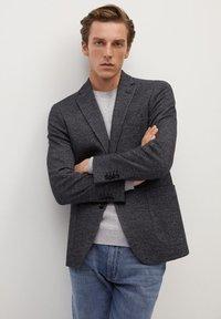 Mango - AUS WOLLE-BAUMWOLL-MIX - Blazer jacket - grau - 0