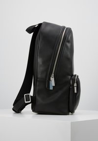 Calvin Klein - PUNCHED ROUND  - Rucksack - black - 3