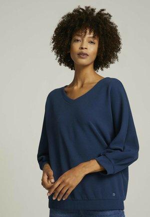 LOOSE MIT STRUKTUR - Long sleeved top - denim blue