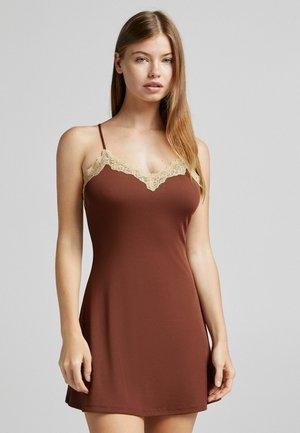 MIT SPITZE - Fodralklänning - brown
