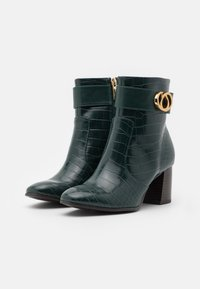 Tamaris - BOOTS - Classic ankle boots - bottle - 2