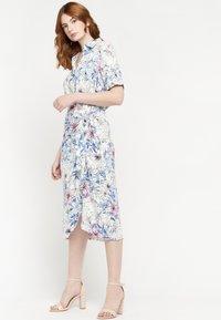 LolaLiza - FLORAL - Shirt dress - blue - 4