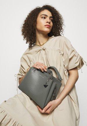 ANNIE TOTE PUBBLE - Handbag - argilla/clay