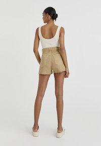 PULL&BEAR - Denim shorts - mottled beige - 2