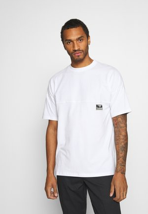 BEACH BREAK - Basic T-shirt - white