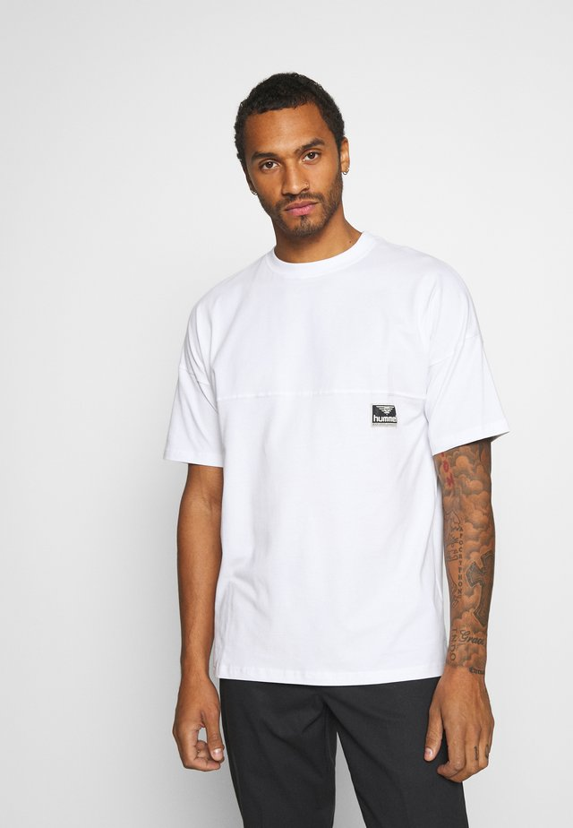 BEACH BREAK - Basic T-shirt - white