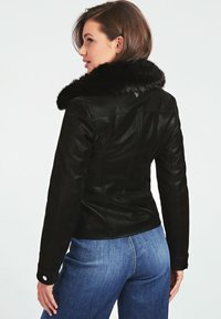 Guess - Giacca in similpelle - noir - 2