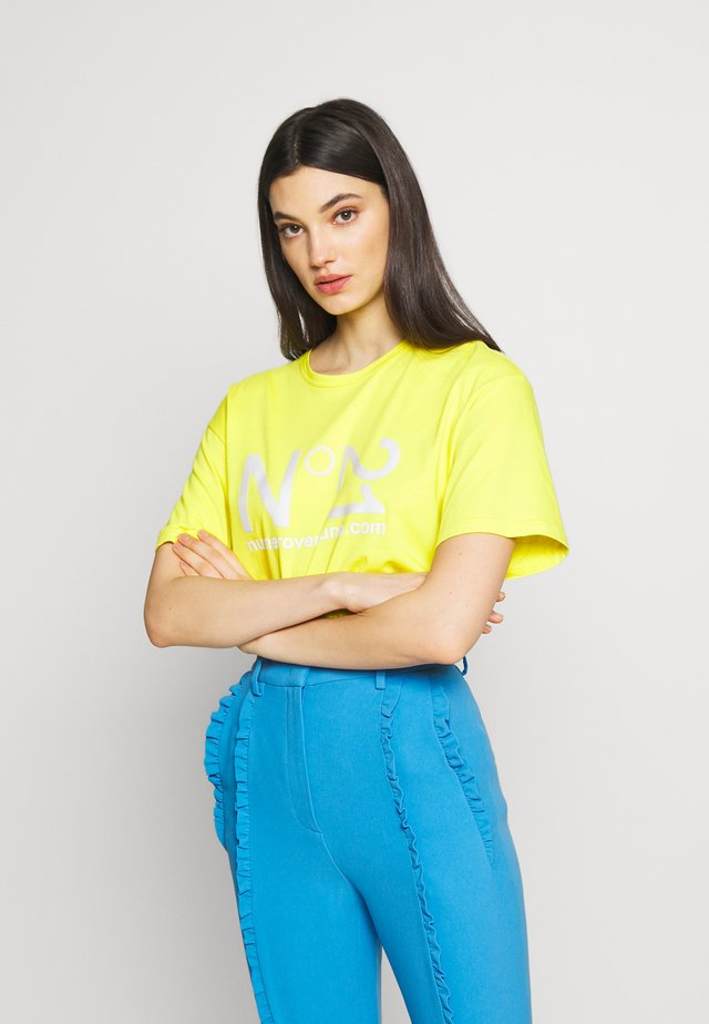 T-shirt con stampa - mimosa