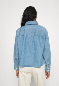Levi's® - ZOEY PLEAT UTILITY - Skjortebluser - stay cool - 2