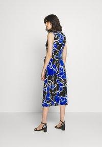 Lauren Ralph Lauren - PRINTED MATTE DRESS - Žerzejové šaty - black/regal sapph - 2