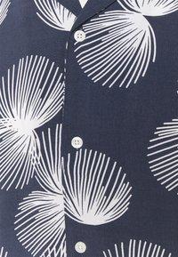 Casual Friday - ANTON PRINTED - Shirt - navy blazer - 2
