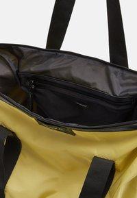 DAY ET - GWENETH BAG - Tote bag - yellow iris - 2