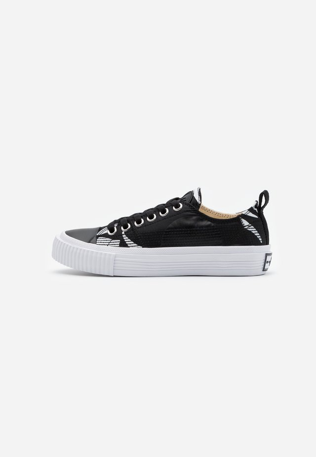 SWALLOW CUT UP - Sneaker low - black/white