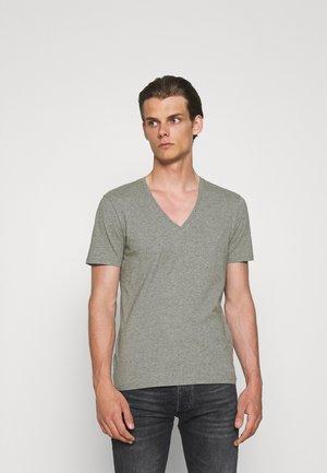 QUENTIN - Basic T-shirt - grau