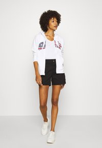 GAP - Shorts - true black - 1