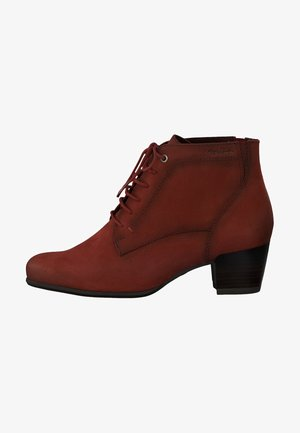 STIEFELETTE - Cowboy/biker ankle boot - scarlet nubuc