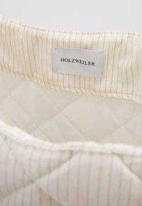 Holzweiler - SUSTAINABLE TOTE BAG - Tote bag - white - 3