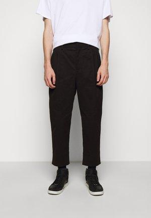 PLEAT WIDE LEG - Pantaloni - black