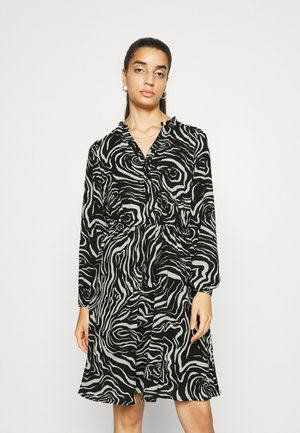 VMAYA V NECK DRESS - Shirt dress - birch/silja