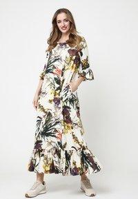 Madam-T - Maxi dress - milchig gelb - 1