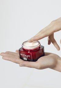 L'Oréal Paris Skin - REVITALIFT LASER X3 TAG 50ML - Face cream - - - 3