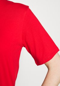 Filippa K - CREW NECK TEE - Jednoduché triko - red orange - 6