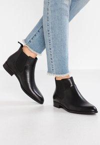 Vagabond - FRANCES SISTER - Ankle boots - black - 0