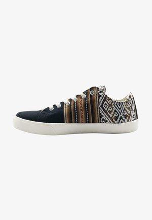 Zapatillas - buho black