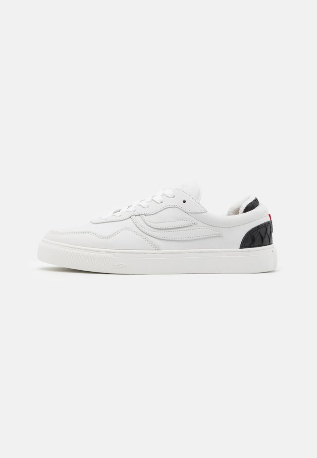 SOLEY UNISEX - Matalavartiset tennarit - offwhite/black