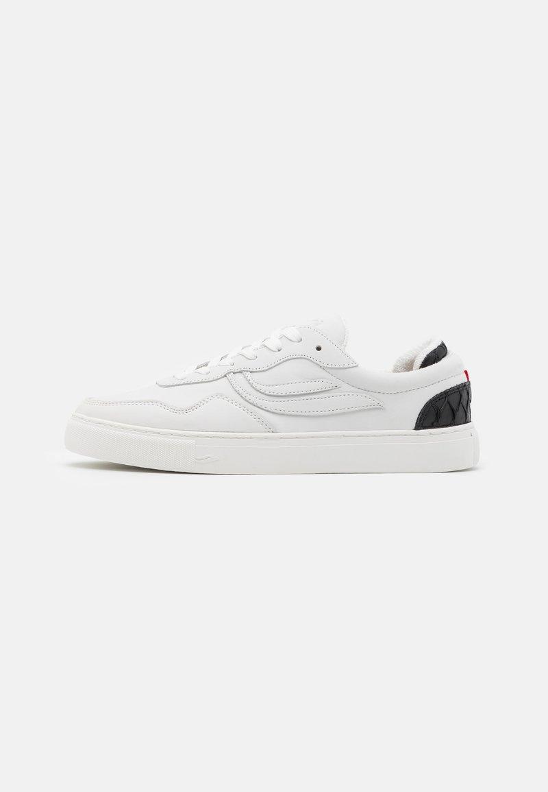 Genesis - SOLEY UNISEX - Sneakersy niskie - offwhite/black