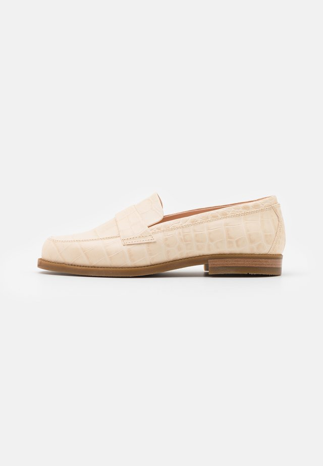 Loaferit/pistokkaat - offwhite
