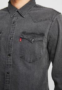 Levi's® - BARSTOW WESTERN SLIM - Shirt - black worn - 5