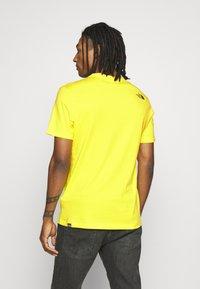 The North Face - FINE TEE - Print T-shirt - tnf lemon - 2