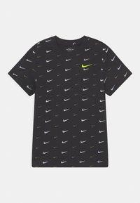 Nike Sportswear - PLUS - T-shirt med print - black - 0