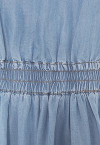 Cream - AMIRA FLOUNCE DRESS - Robe longue - blue - 2
