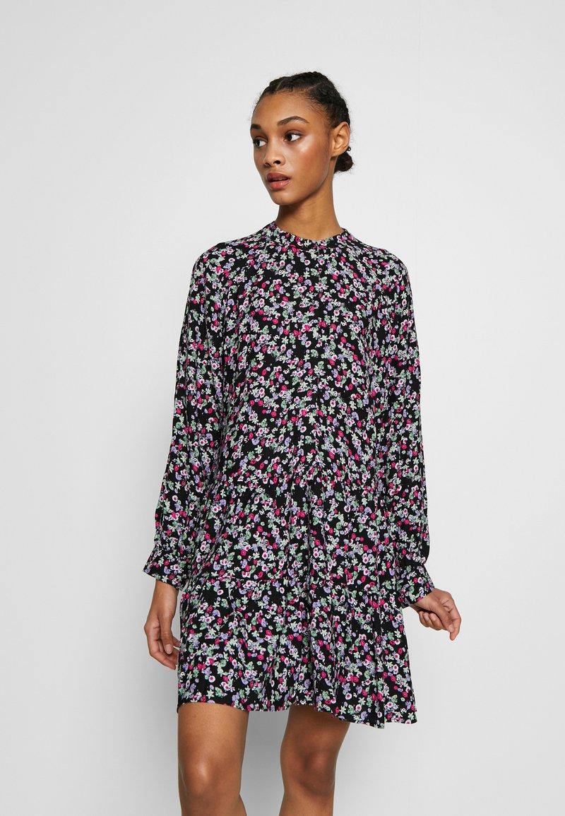 Envii - ENSALSA DRESS  - Kjole - winter fleur