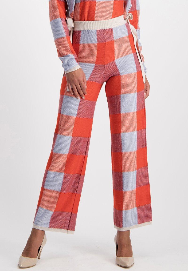 Nicowa - Trousers - orange