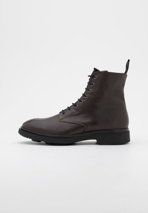 DEFENDER LACE UP BOOT  - Lace-up ankle boots - dark brown
